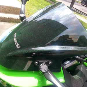 Custom black/kawi 300 geen matalic glow in the dark speckle windscreen DIY